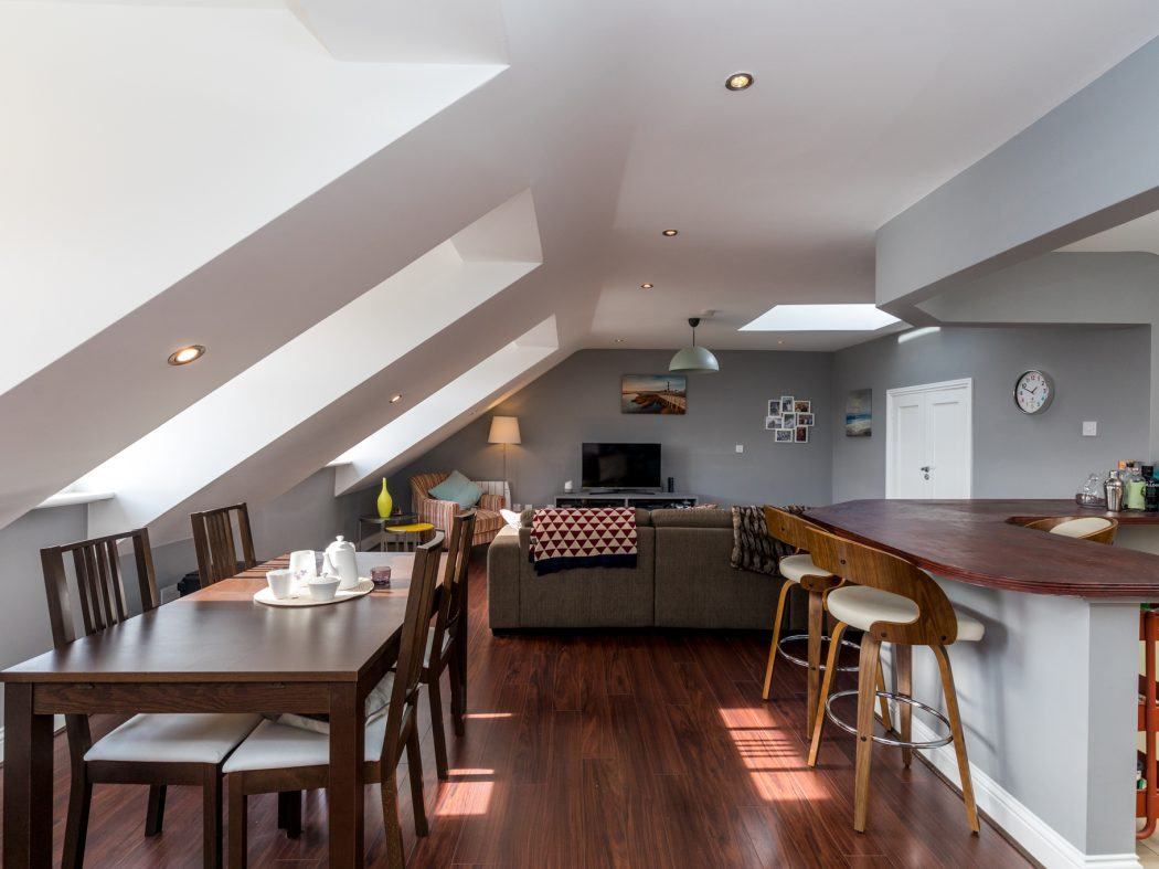 10A Kingscourt - 1. Dining, Living breakfast areas