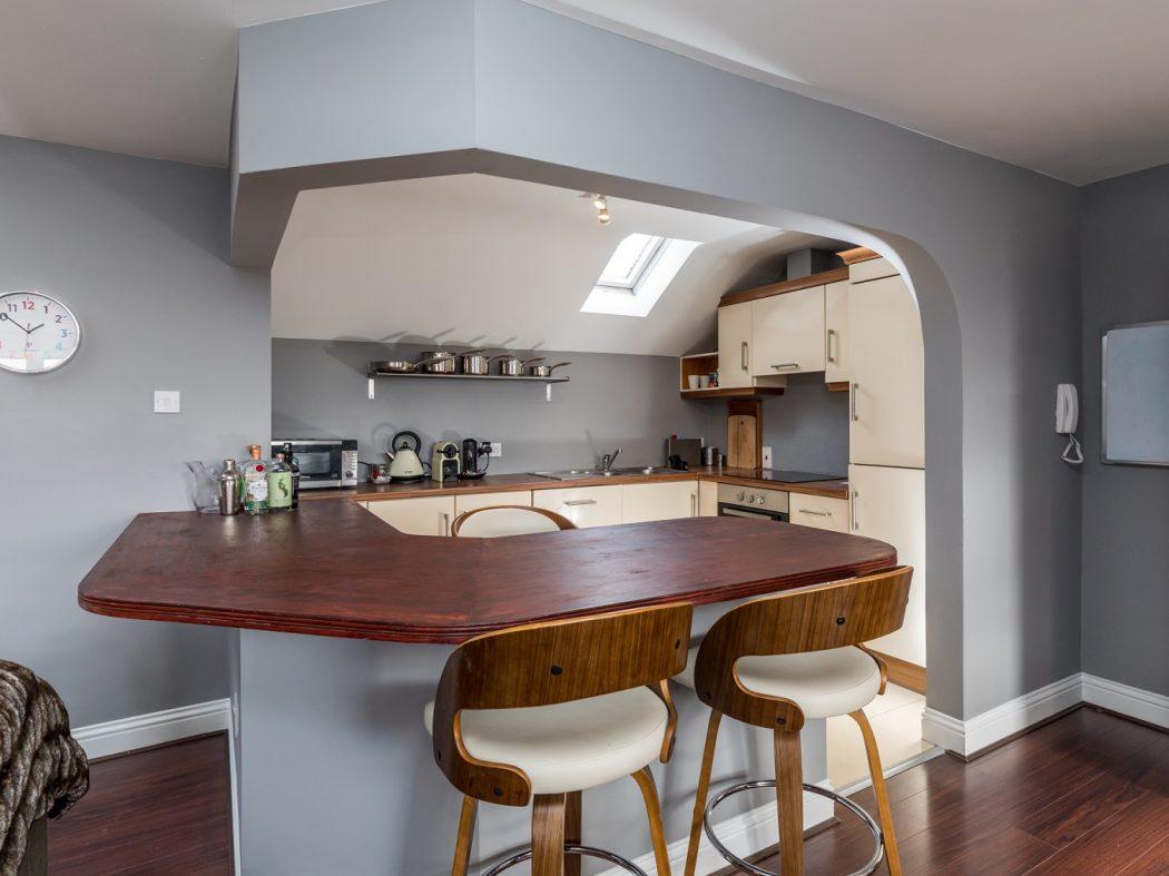 10A Kingscourt - 1. Kitchen