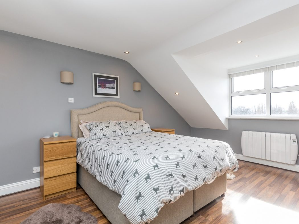 10A Kingscourt - 1. Master Bedroom 1.1