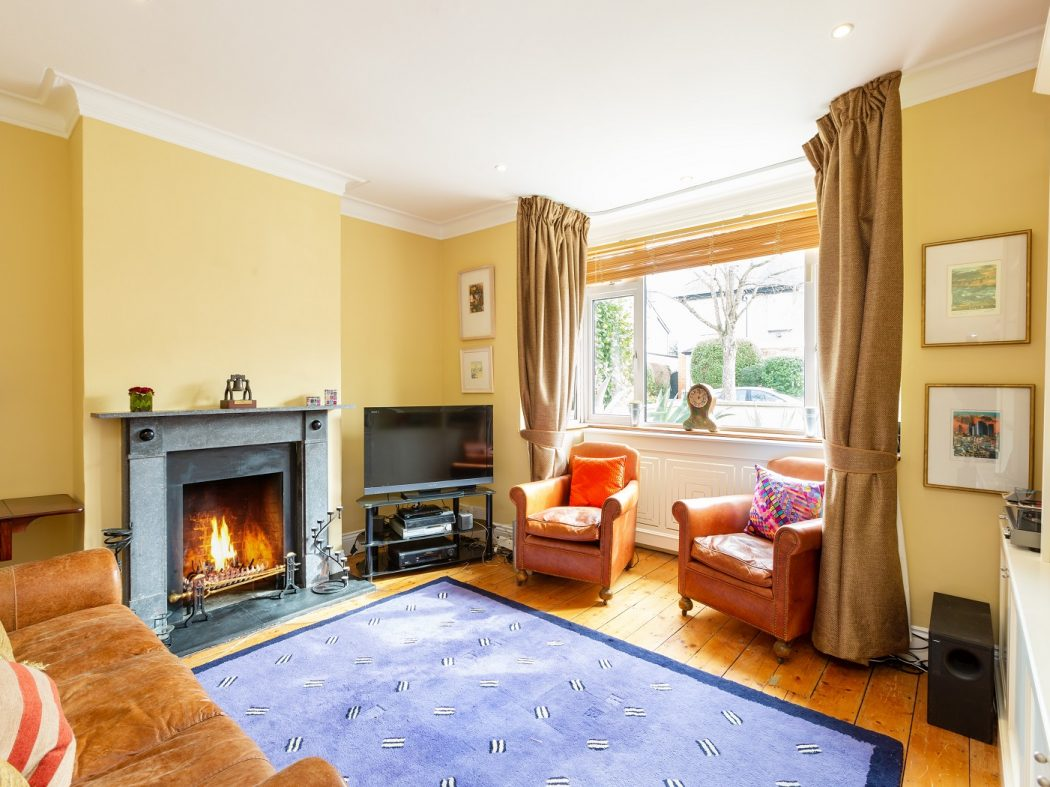 14 Marine Drive - living room
