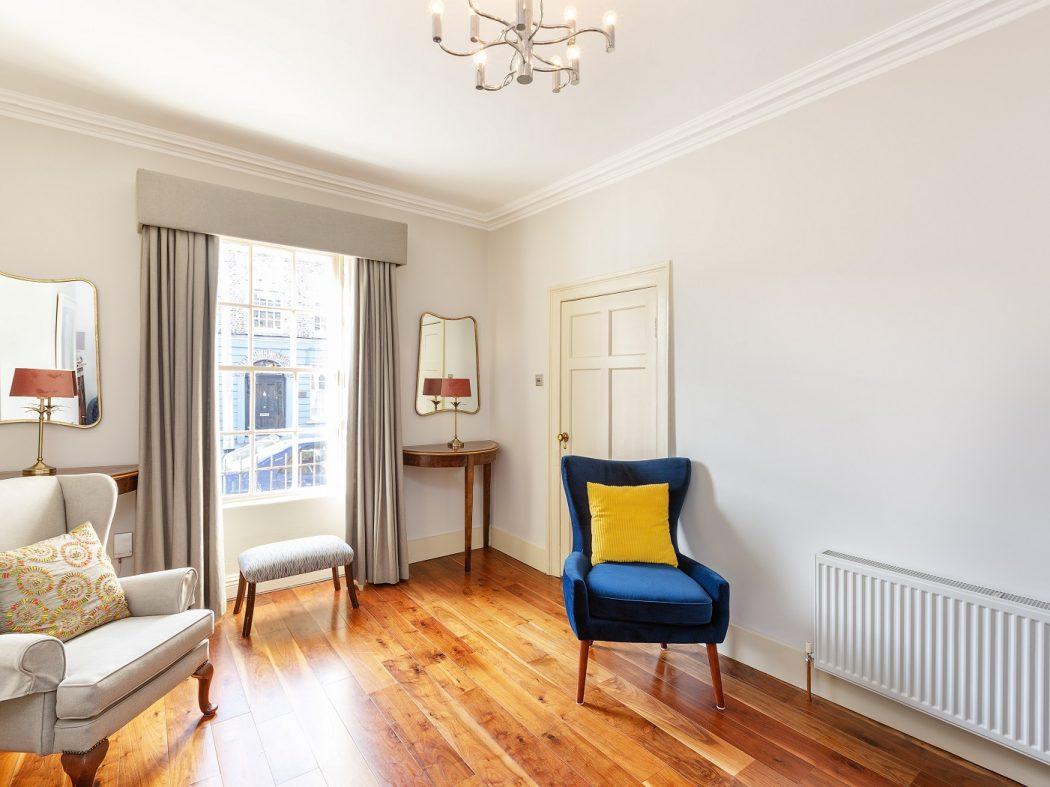 21UpperErneStreet-Livingroom a