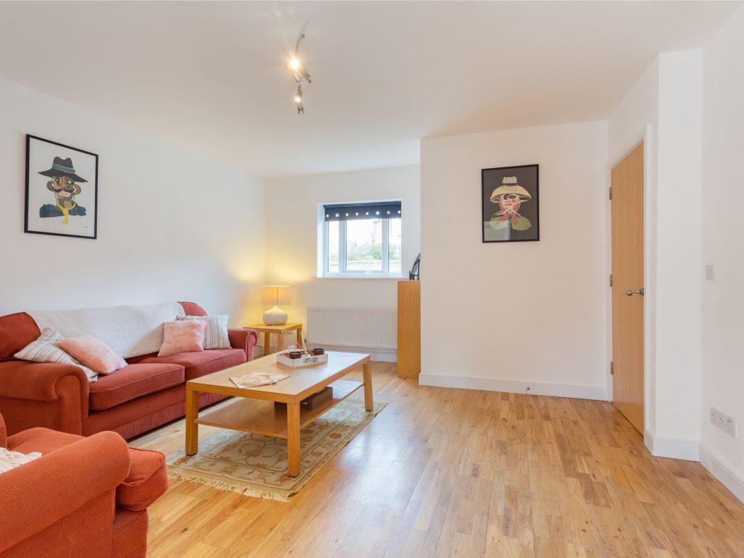 44 Cluain Shee - Living room