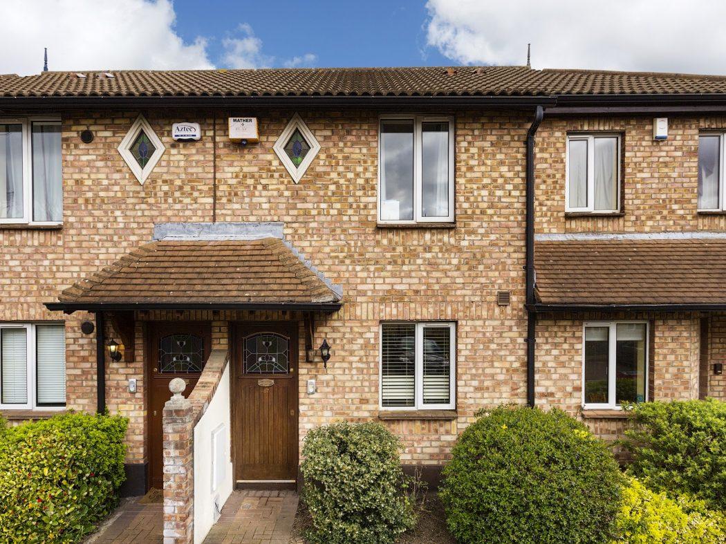 47 Donnybrook Manor - Front door