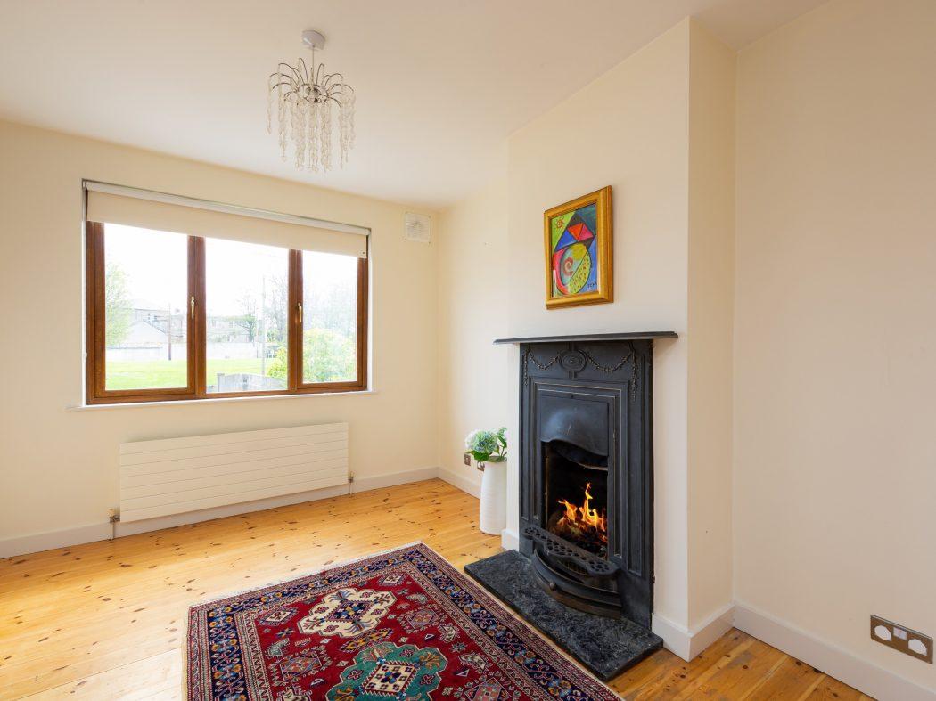 11 St. Luke's Crescent - Sitting room (2)