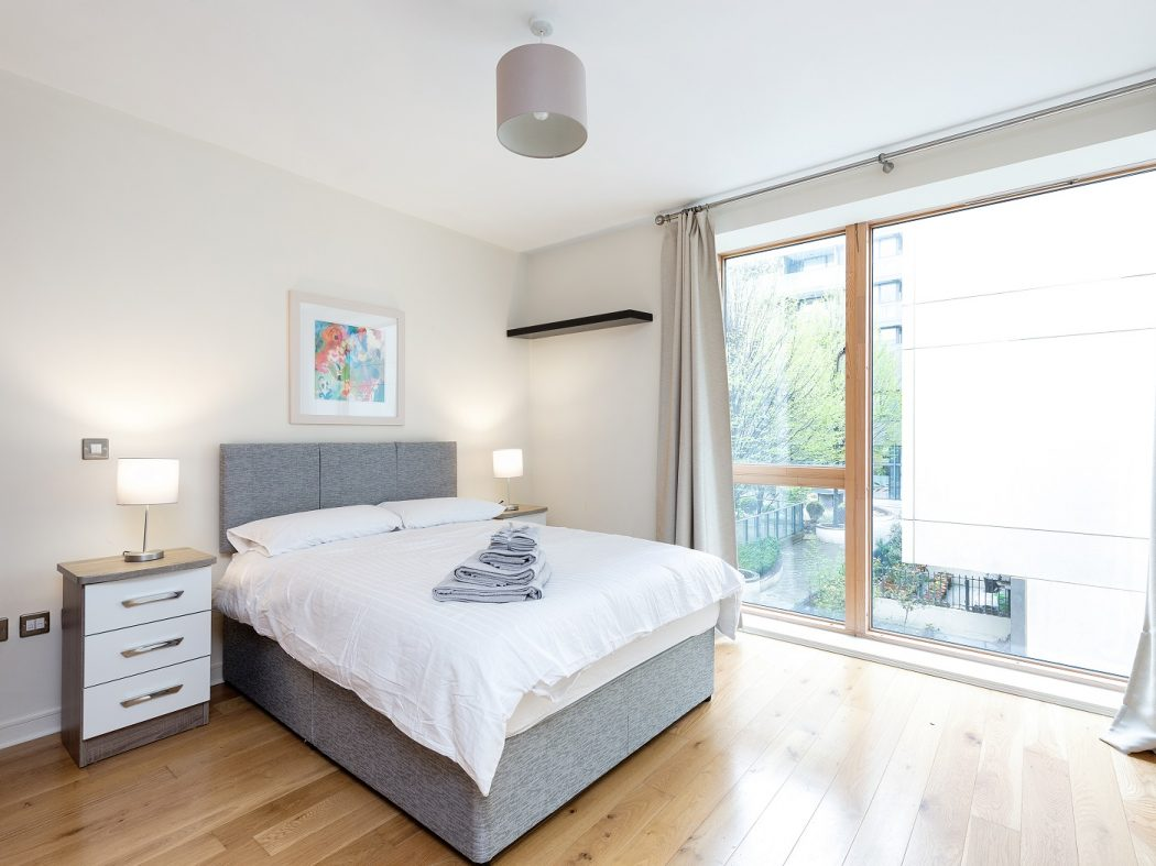 12 Hanover Quarter - bedroom 1