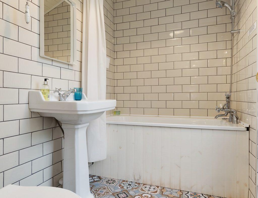 2 Warrenmount - Bathroom