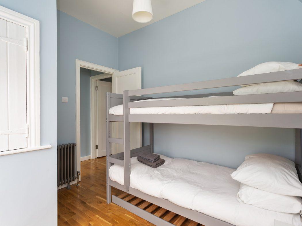 2 Warrenmount - Bedroom 2.2
