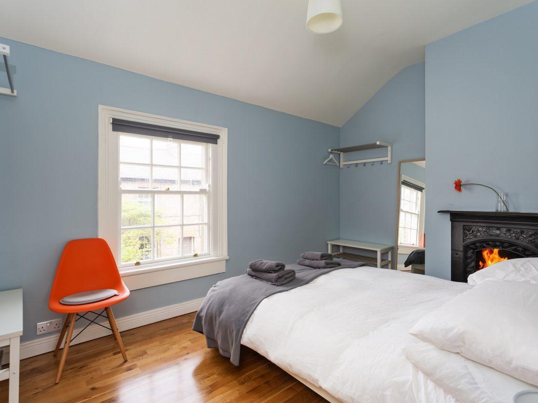 2 Warrenmount - Master Bedroom
