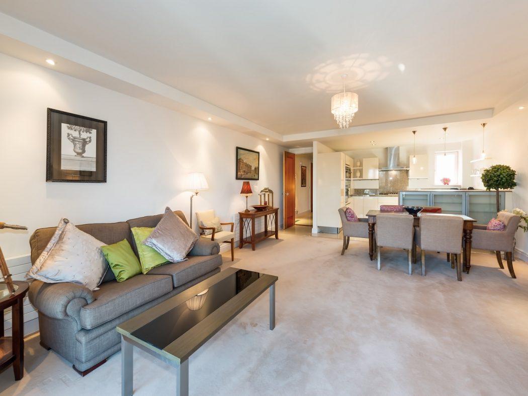 20 Shrewsbury Square Living Room