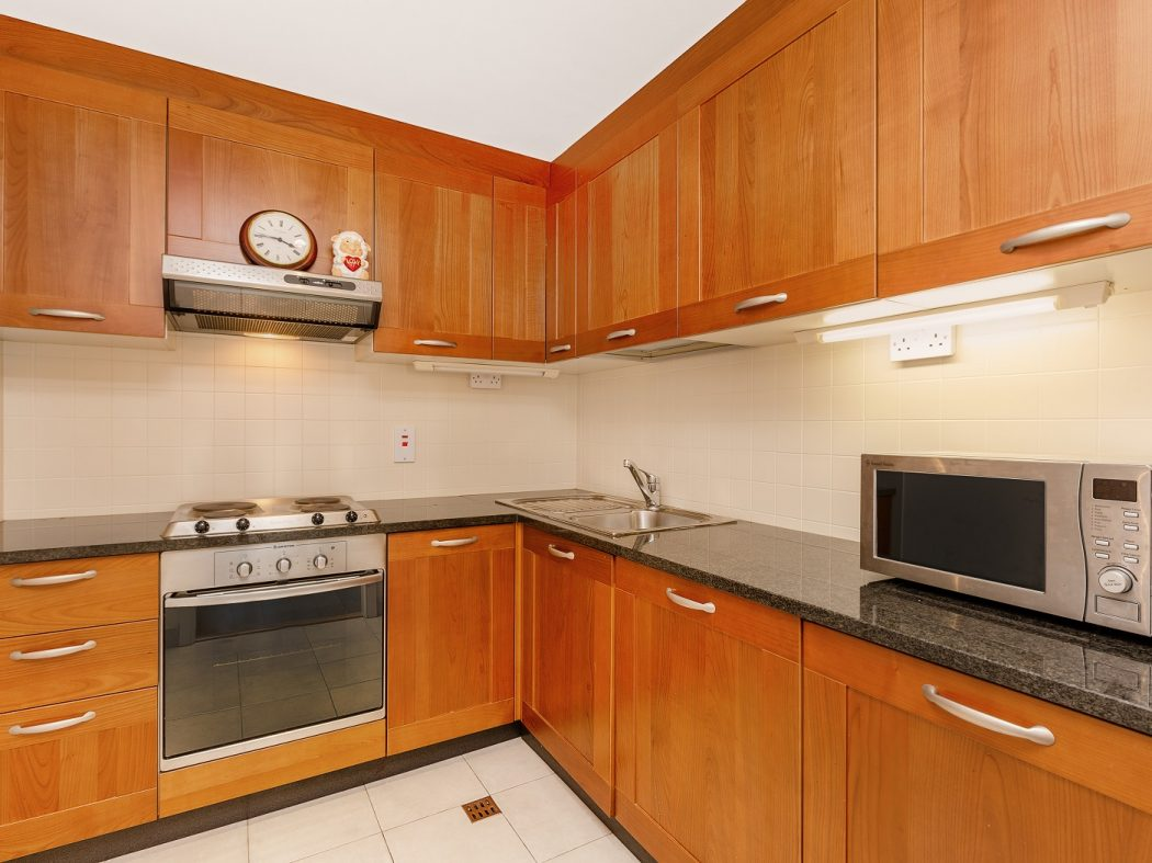 416LongboatQuayNorth-3-kitchen