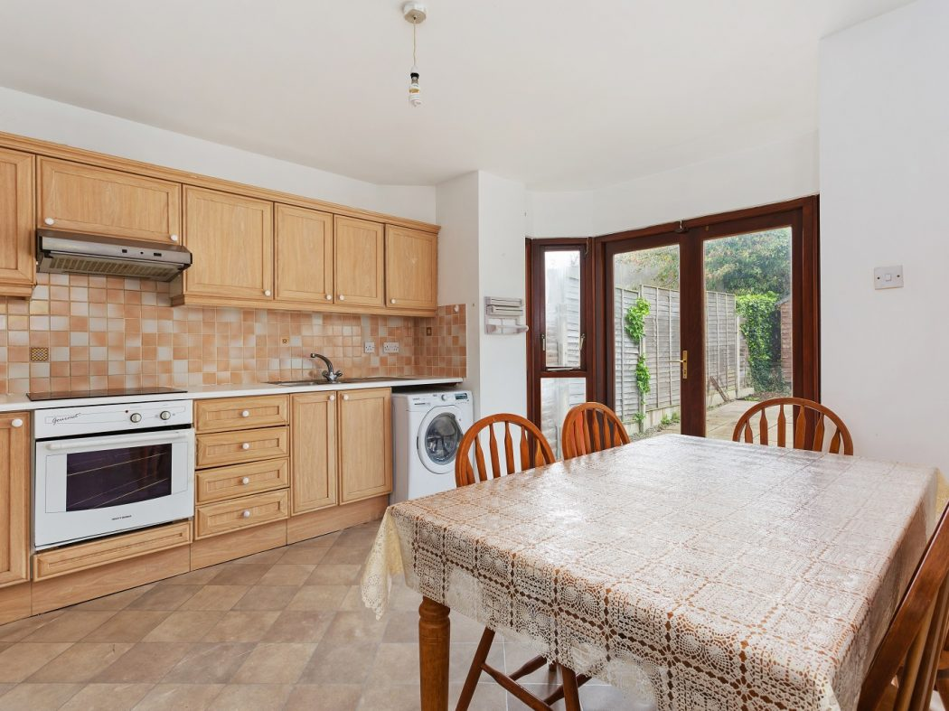 47 Glenmalure Square - Kitchen to green