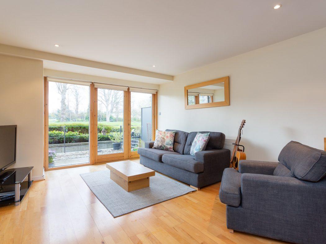 59 Milltown Hall - Living room