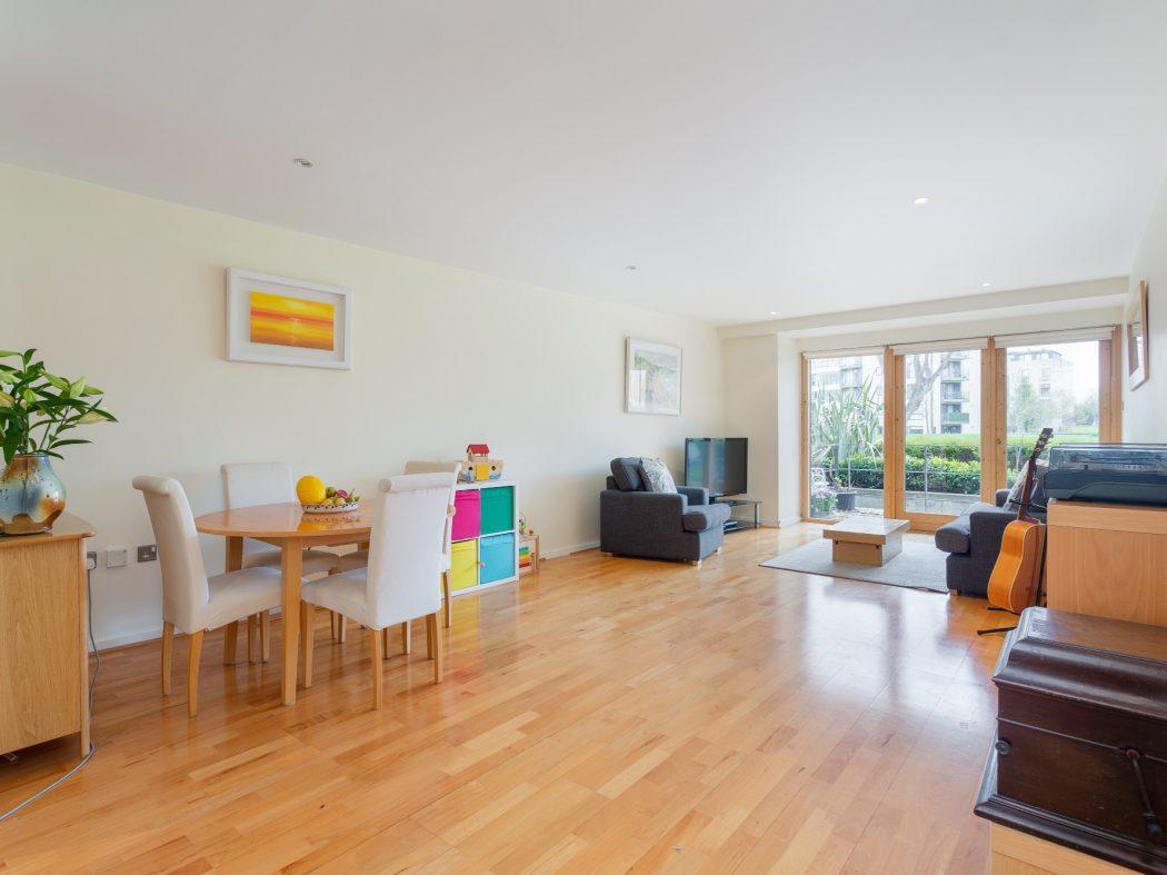 59 Milltown Hall - Living room1