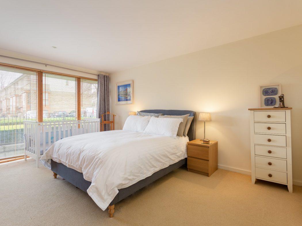 59 Milltown Hall - Master bedroom