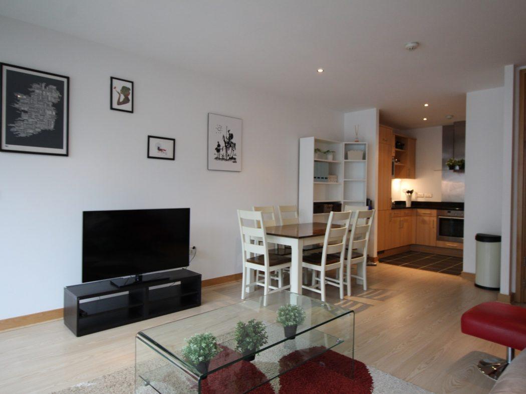66 Pakenham House - Dining room
