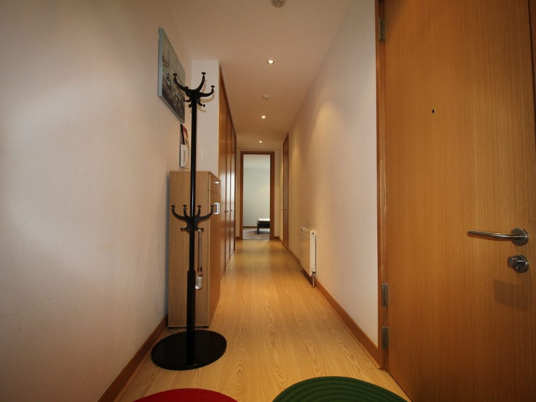 66 Pakenham House - Hallway