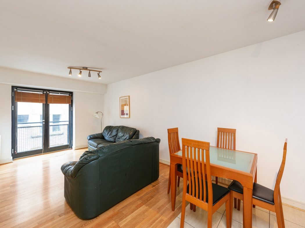8 Sauls Court - Living room 2