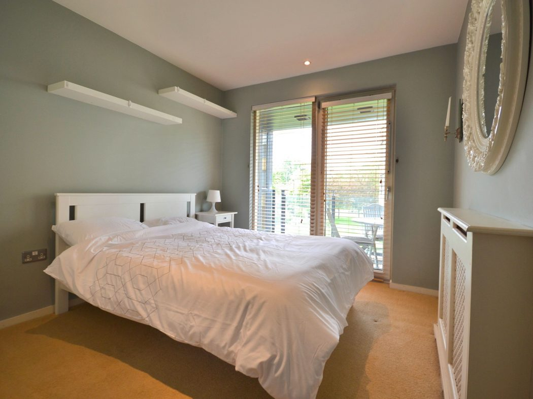 37 MH - Bedroom