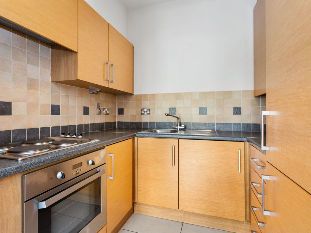 48 Kingston Hall - Kitchen