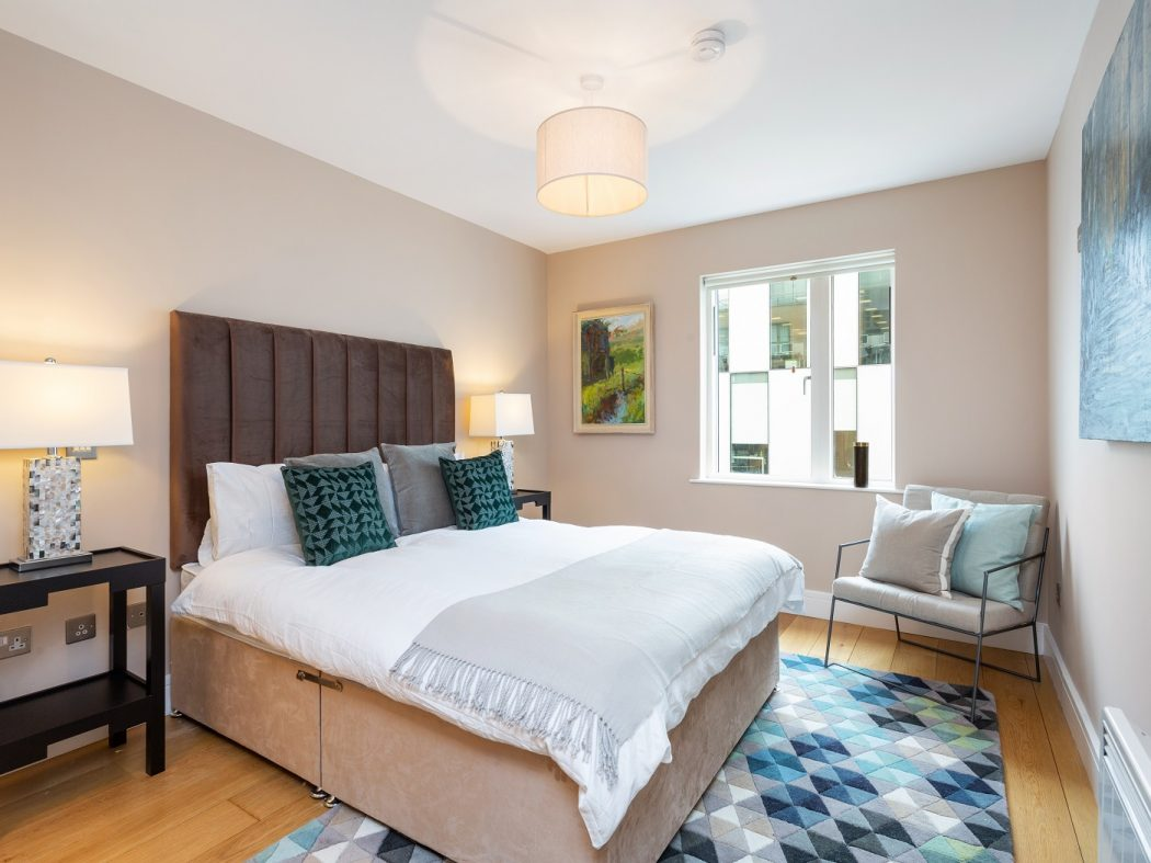 516 Longboat Quay master bedroom