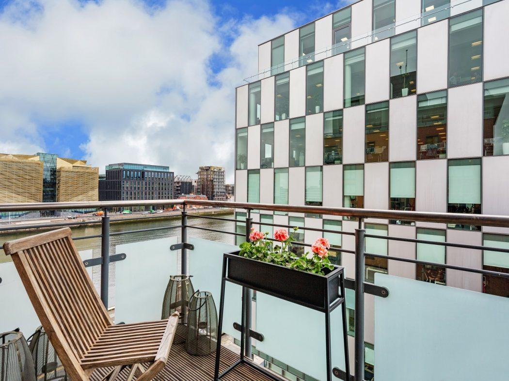 516 Longboat balcony