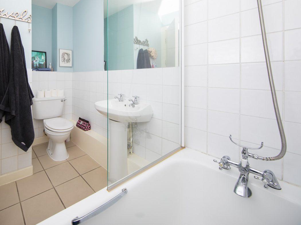56 Collins Square - Bathroom