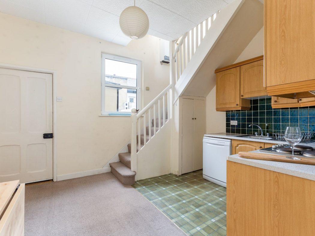 7 Greenmount Lane - Kitchen (2)