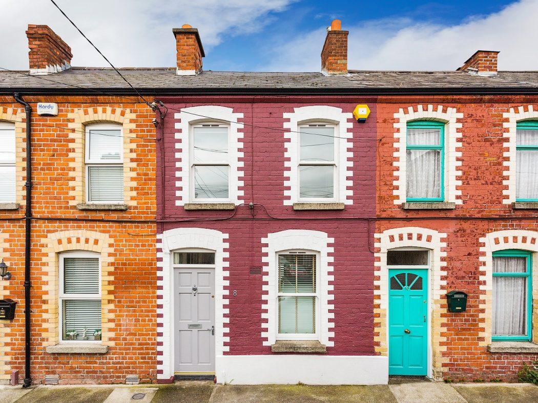 8 Joy Street - Exterior