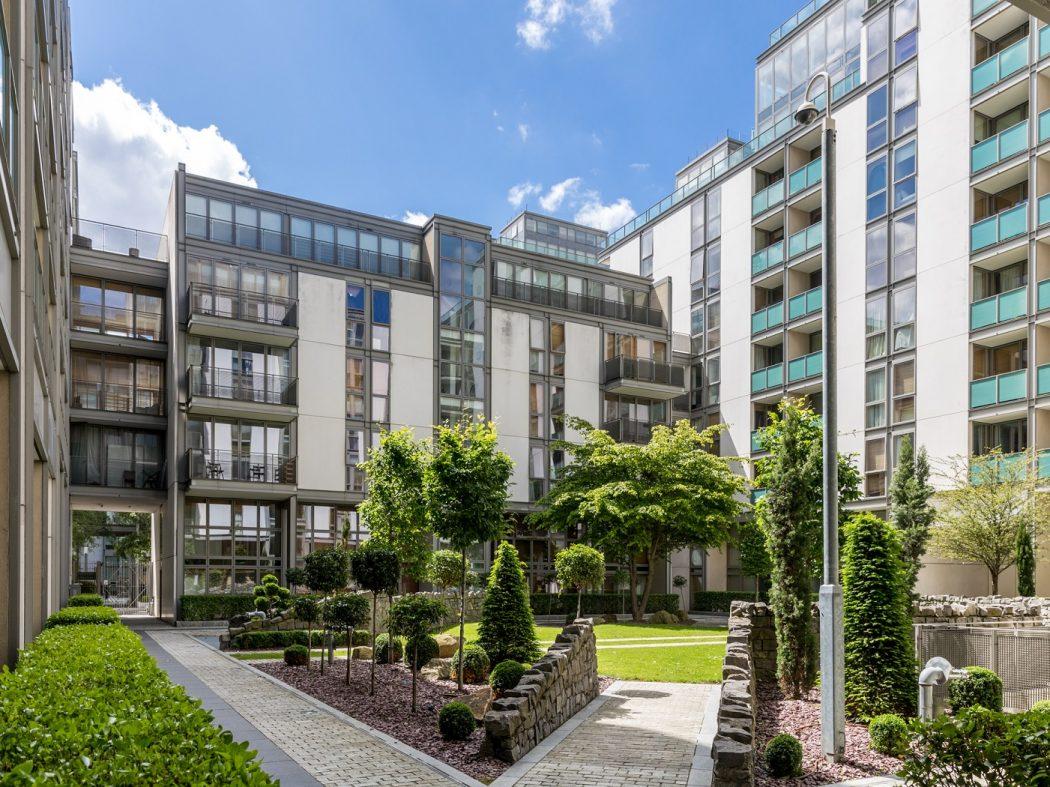 14 Pakenham House - Internal gardens