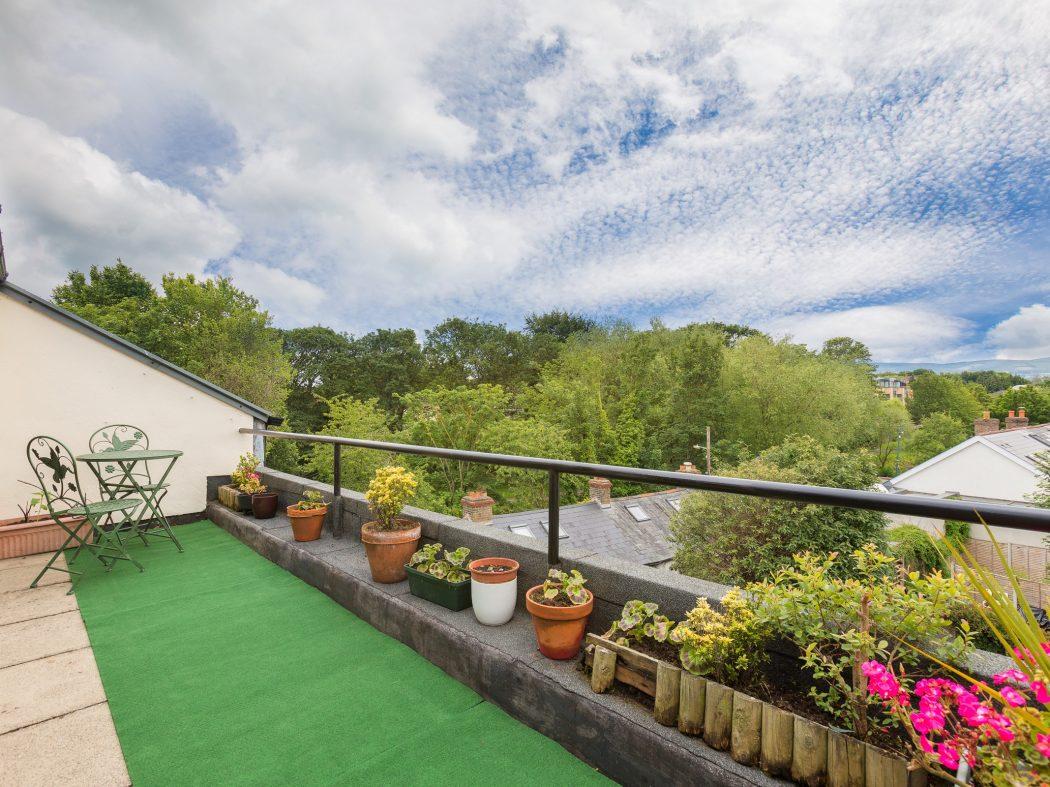 20 Milltown Hill- Balcony 2