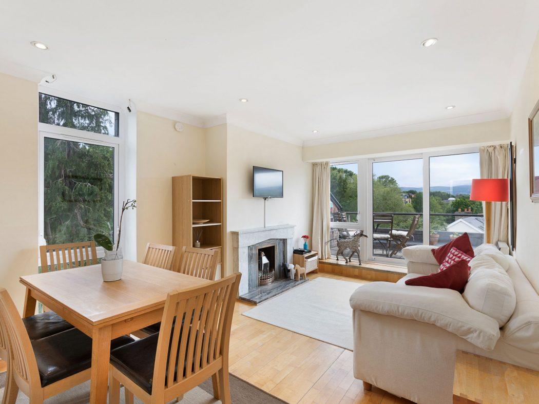 20 Milltown Hill - Living room