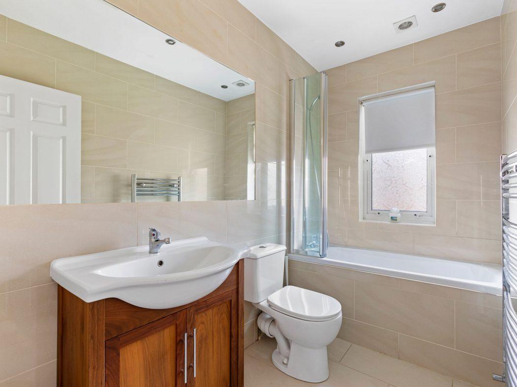 31 Millbrook Village - Bathroom