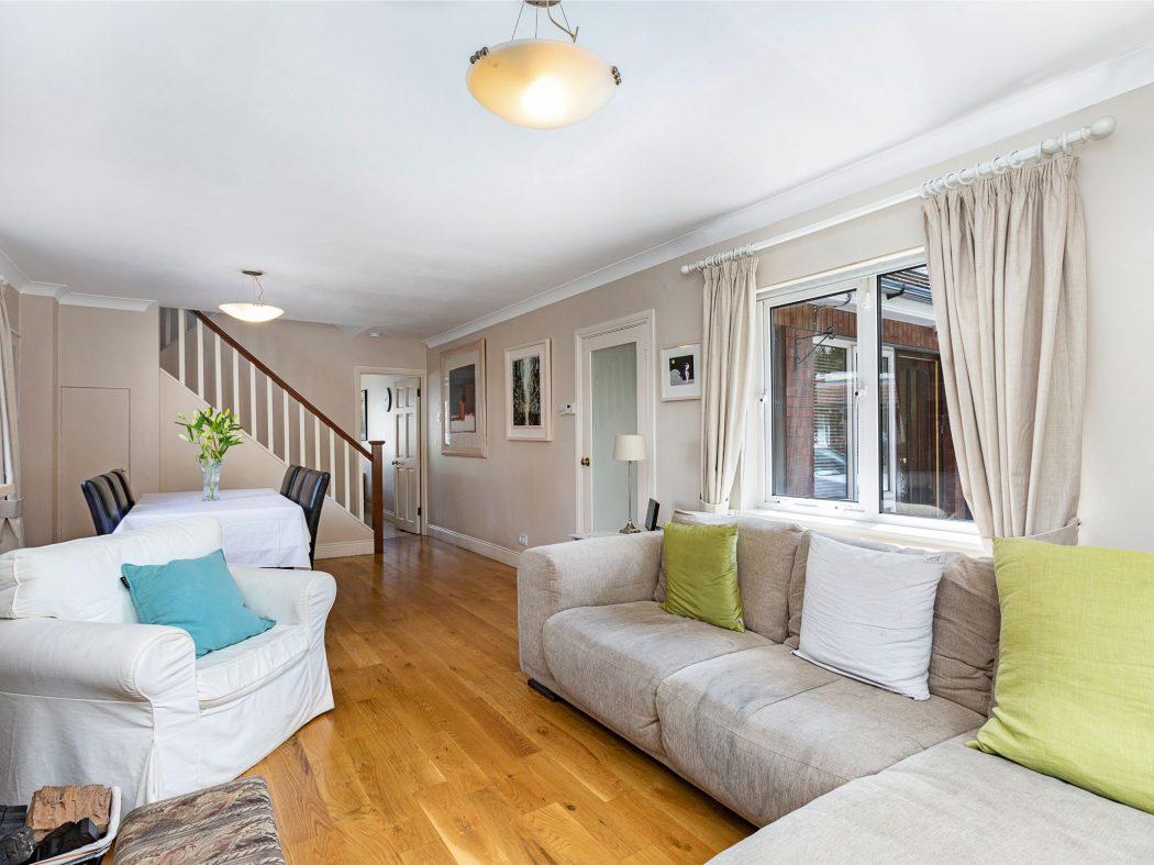 31 Millbrook Village - Living room2