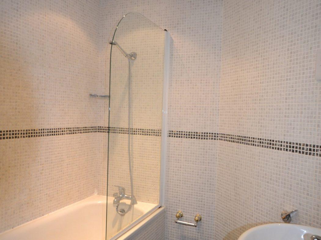 5 The Linden - Bathroom