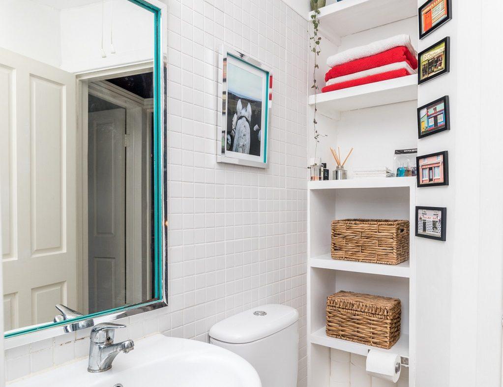 8 Lennox Place - Bathroom.1