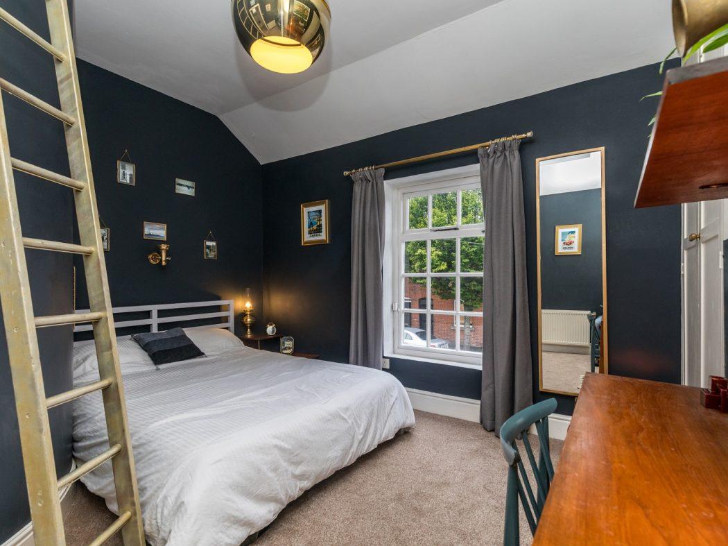 8 Lennox Place - Bedroom