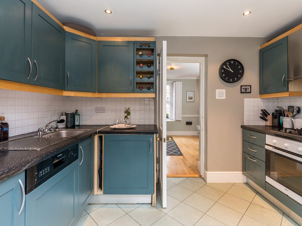 8 Lennox Place - Kitchen to living