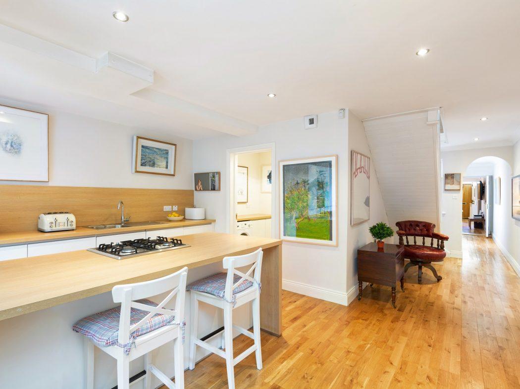 1 Faulner's Terrace - Kitchen, hall
