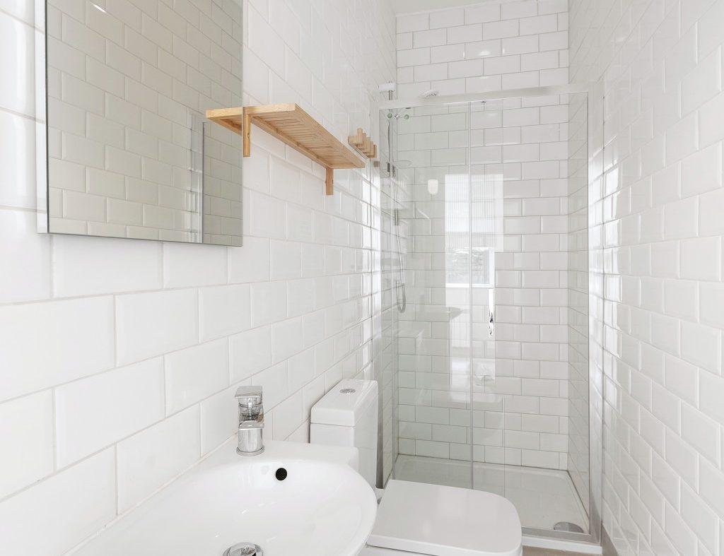 1 Wicklow Court - Shower room.1