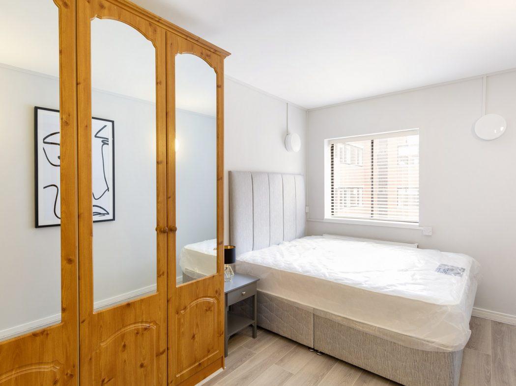 11 HC - Bedroom