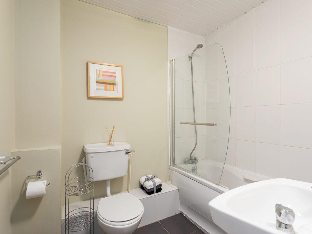 149 Bellevue - Bathroom