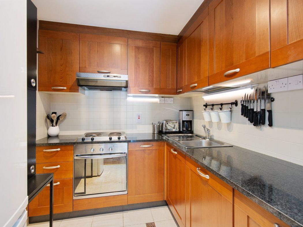 412 LBQ - Kitchen