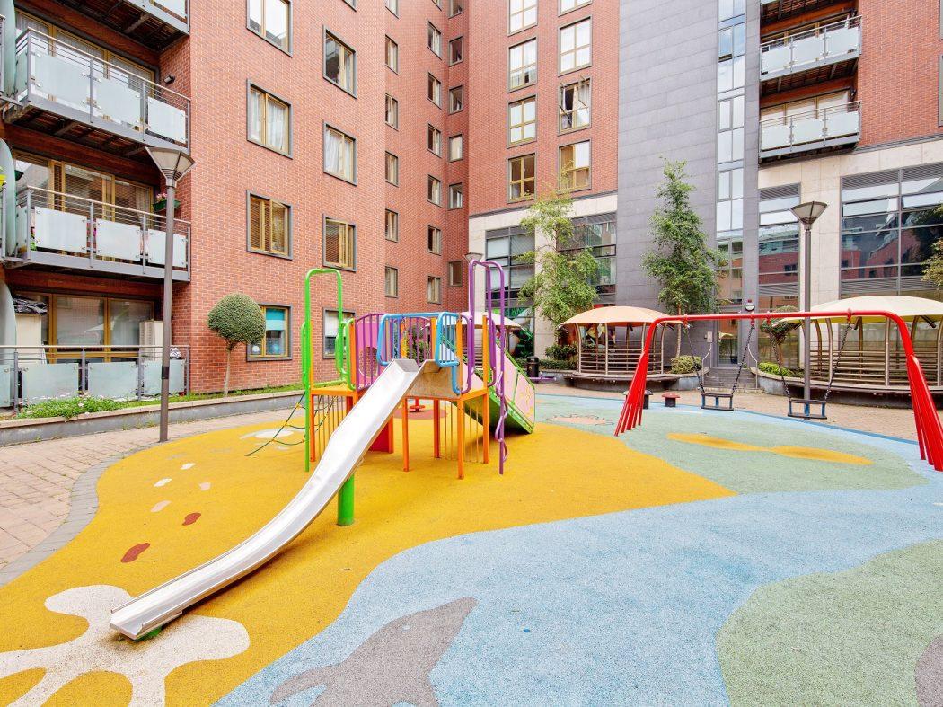 412 LBQ - Playground