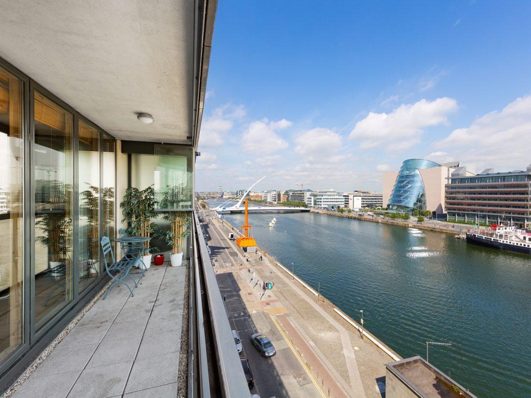 68 Hanover Dock - Terrace