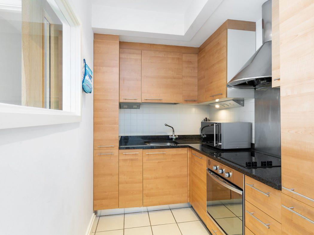 68 Hanover Riverside - Kitchen