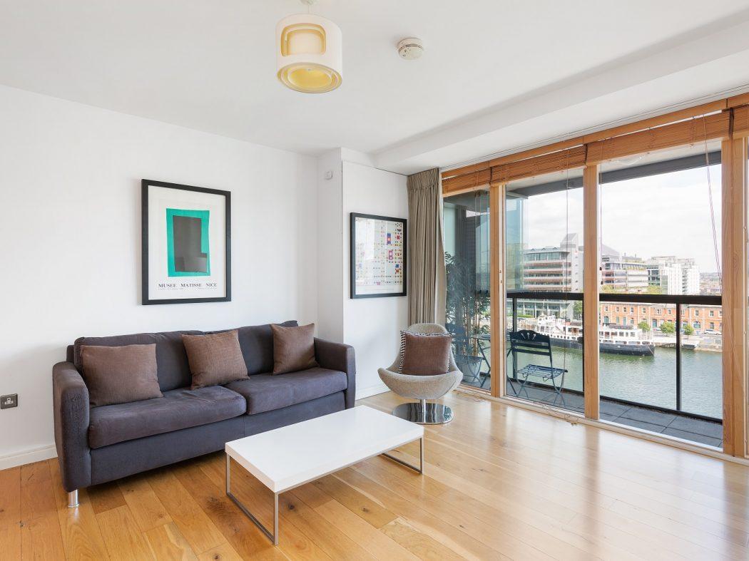68 Hanover Riverside - Living room