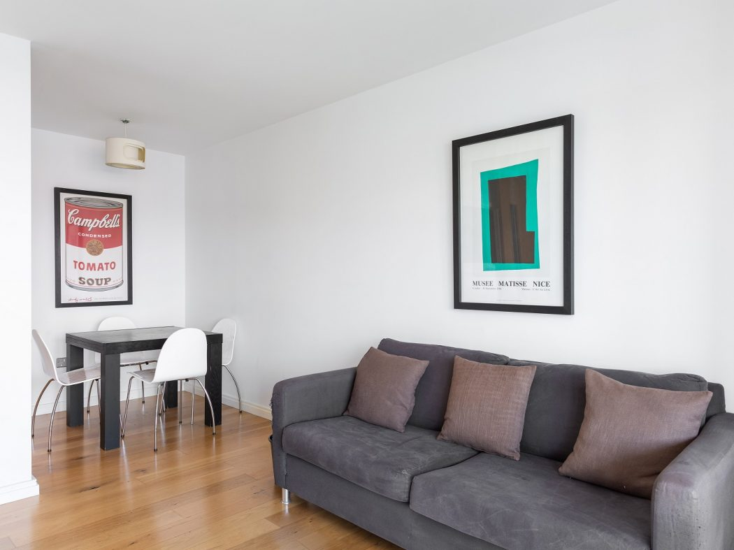 68 Hanover Riverside - Living room 3