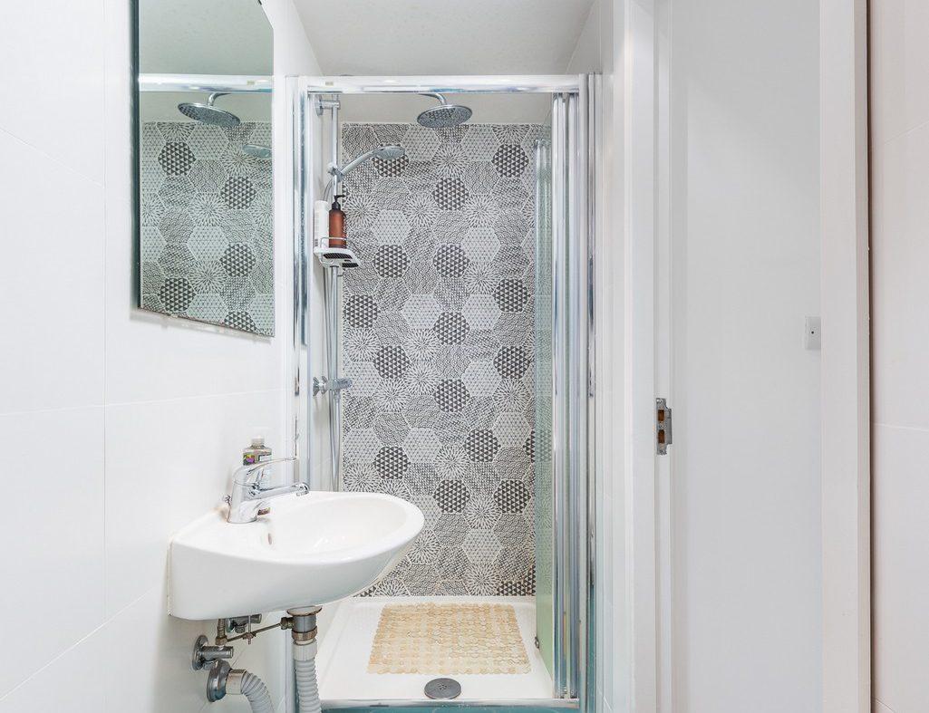8 Clarion Block 12 Bathroom1