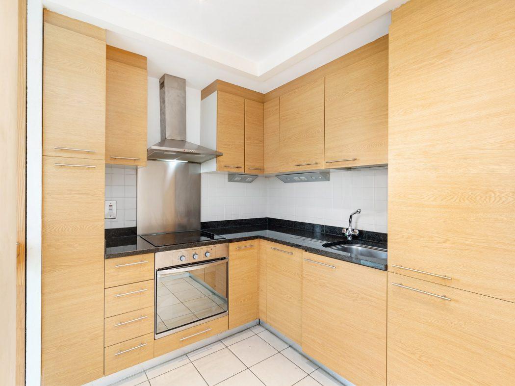 95 HD - Kitchen