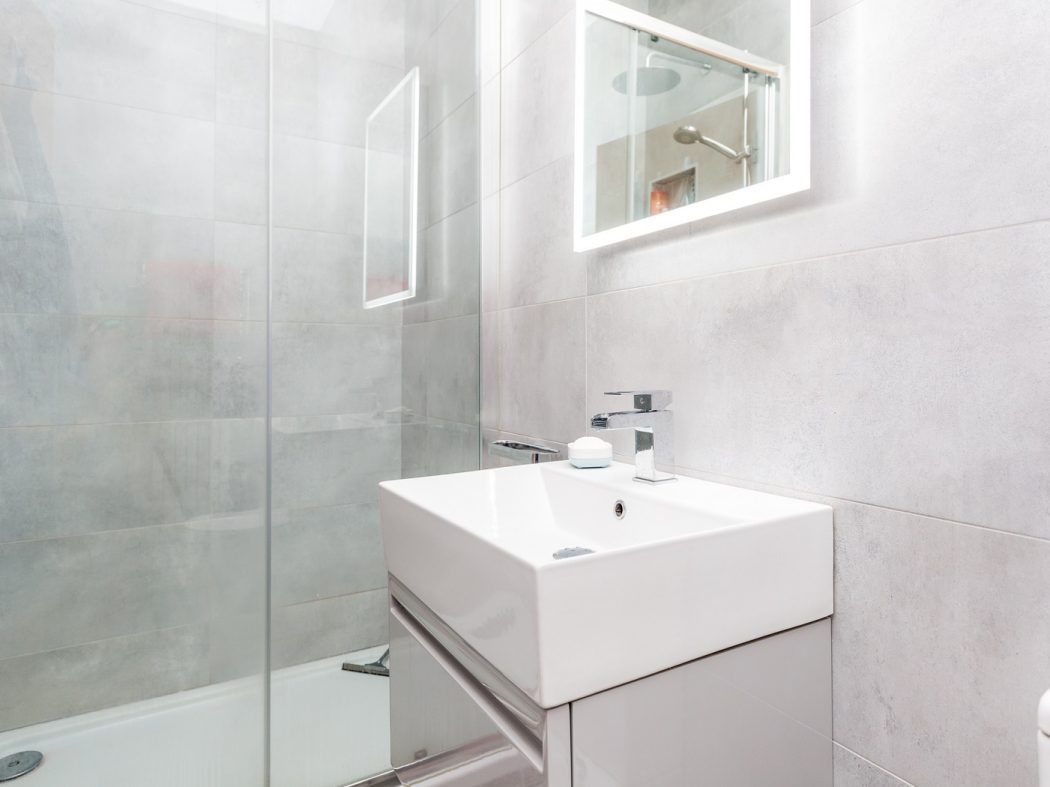 165 Skellig - Bathroom
